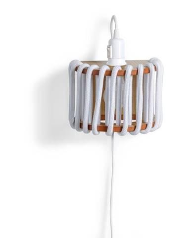 Biela nástenná lampa s drevenou konštrukciou EMKO Macaron, dĺžka 20 cm